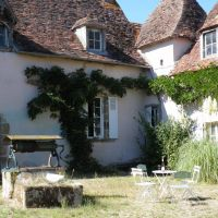 House for sale in France - cour kasteel.jpg