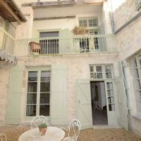 House for sale in France - 82731COURTYARD2.jpg