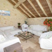 House for sale in France - LS425POOLLIVING.jpg
