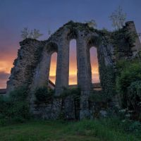 House for sale in France - 10 ruine kerk.jpg