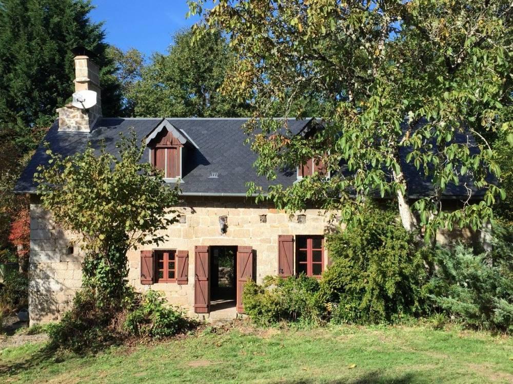 Huis te koop in frankrijk kleine estate in de corr ze for Huizen te koop frankrijk