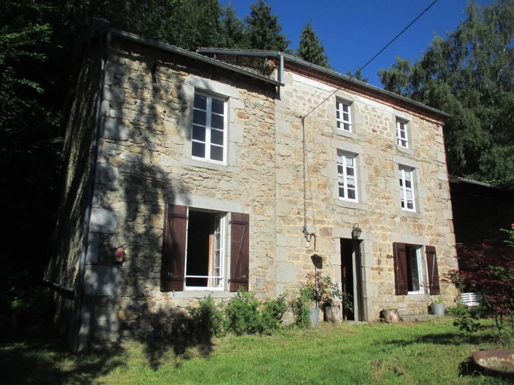Huis te koop in frankrijk vrijstaand huis op 3700m2 terrein for Huizen te koop frankrijk